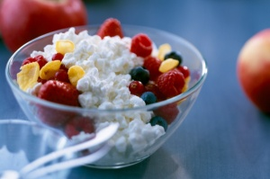 Cottage-Cheese-with-Fruit